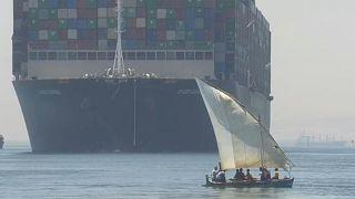 """Canal de Suez : le cargo """"Ever-Given"""" libéré après 100 jours d'immobilisation en Egypte"""