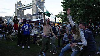 A Londres, des supporters italiens fêtent le retour au sommet de la Squadra azzura