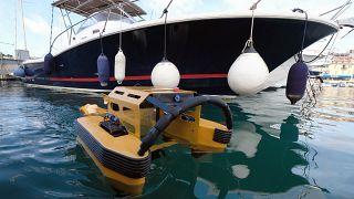 Limanlardaki atıkları temizlemek için pratik çözüm: 'Jellyfishbot'