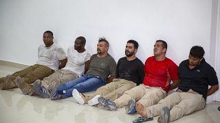 عدد من المعتقلين المشتبه بهم في اغتيال رئيس هايتي جوفينيل مويس. 08/07/2021