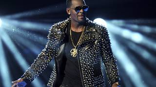 R&B artist R. Kelly switched legal teams less than a month ago