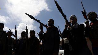 عناصر الميليشيات الأفغانية ينضمون إلى قوات الدفاع والأمن الأفغانية خلال تجمع في كابول. 2021/06/23