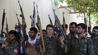Milícias afegãs em Mazar-e-Sharif, a norte de Cabul