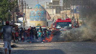 العراقيون يحتجون على انقطاعات الكهرباء