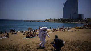 Sur une plage de Barcelone (Espagne), le 09/07/2021
