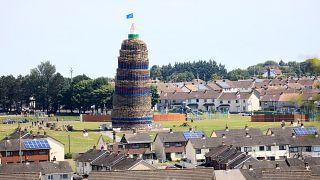 Irlanda del Nord, si rinnova la tradizione dei falò della discordia