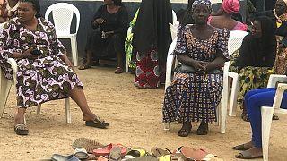 Familiares aguardam notícias sobre os jovens raptados