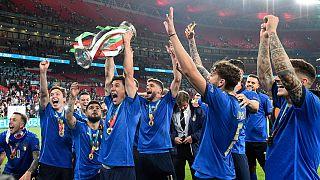"""""""Squadra azurra"""" fez a festa em Wembley"""