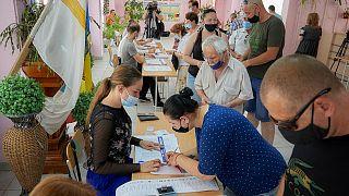 مواطنو مولدوفا يقترعون في انتخابات برلمانية مبكرة، الأحد 11 يوليو 2021