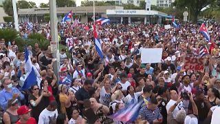 """La manifestación transcurriuó por la Calle 8, la """"Pequeña Habana"""" de Miami"""