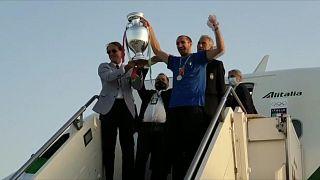 الفريق الإيطالي يعود إلى الديار محملا بكأس أمم أوروبا 2020