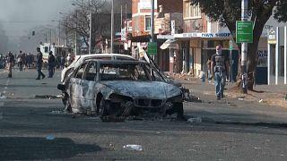 جنوب إفريقيا: عنف ونهب في كوازولو ناتال وجوهانسبرغ
