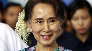 الزعيمة المدنية أونغ سان سو تشي