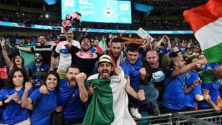 مشجعو إيطاليا بعد مباراة نهائي كأس الأمم الأوروبية