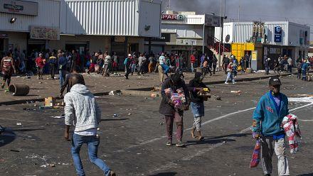 SA police fire rubber bullets at Jabulani crowds
