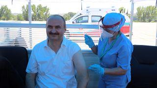 3. doz aşısını olan Edirne Valisi Canalp