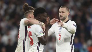 England-Spieler Saka nach dem verschossenen Elfmeter beim Finale in Wembley