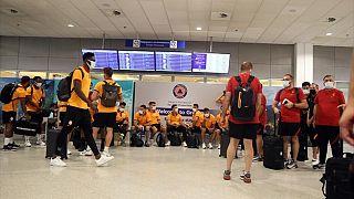 Παίκτες της Γαλατασαράι στο αεροδρόμιο «Ελευθέριος Βενιζέλος»