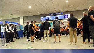 Η ομάδα της Γαλατάσαράι στο αεροδρόμιο της Αθήνας
