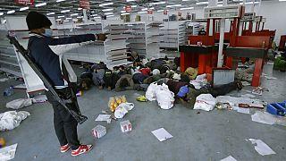 Un supermercado tras ser saqueado