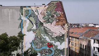 Lélegző falfestmény a Dob utcában