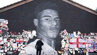 طراحی چهره مارکوس رشفورد بر روی دیواری در شهر منچستر