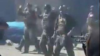 تیراندازی طالبان به روی کماندوهای افغان هنگام تسلیم شدن