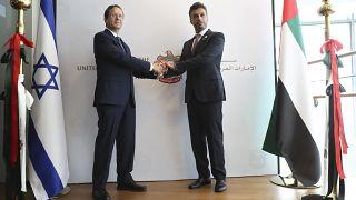 Les Émirats arabes unis ouvrent leur ambassade en Israël