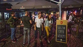 Geöffnete Kneipen in Utrecht in den Niderlanden - ARCHIV