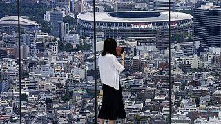 A Nemzeti Stadion és a Tokiói Városi Tornacsarnok látképe, 2021