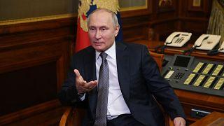 بوتين متحدثاً إلى الصحافيين في سانت بطرسبرغ