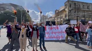 Protesters hold 'flash mob' rally in Yangon