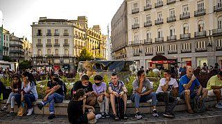 Turistas, muchos de ellos sin mascarilla en la Puerta del Sol de Madrid el pasado 8 de julio