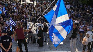 Anti-Impf-Demos: Tausende Impfgegner in Griechenland und Frankreich