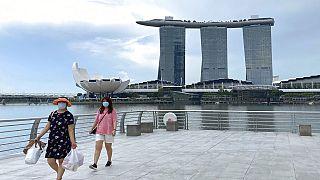 Szingapúri látkép a Merlion Parkkal, háttérben a Marina Bay Sands-el