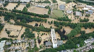 Hochwasser in Europa: Dutzende Tote und Vermisste