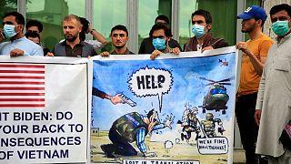 اعتراض مترجمان افغان به آمریکا