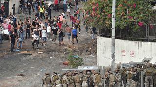 معترضان لبنانی در اعتراض به استعفای سعد حریری با نیروهای نظامی درگیر شدند