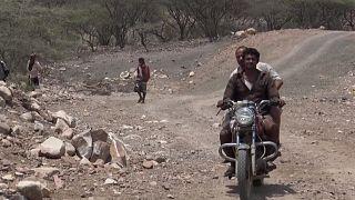 مبادرة محلية يمنية لشق شريان إمداد جديد لمدينة تعز في اليمن