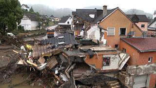 Batı Avrupa'da sel felaketi: Almanya'da 156, Belçika'da en az 27 can kaybı