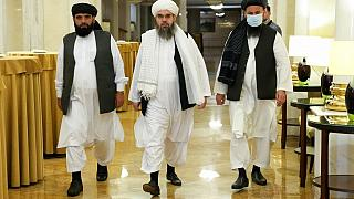 Taliban yetkilileri Suhil Shaheen,Mawlawi Shahabuddin Dilawar, Mohammad Naim