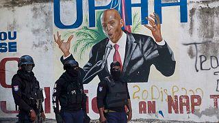اتهمت الشرطة الكولومبية مسؤولا سابقا في وزارة العدل الهايتية بأمر اثنين من المرتزقة الكولومبيين باغتيال الرئيس جوفينيل مويز