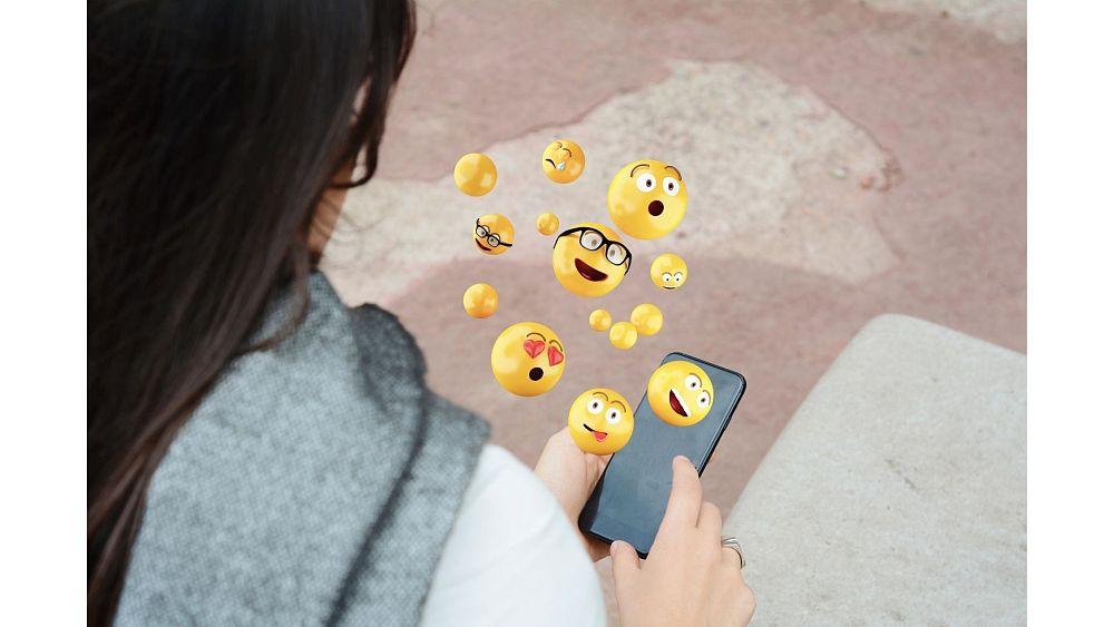 Tech this week: WhatsApp goes phoneless, Microsoft gatecrashes World Emoji Day party - Euronews