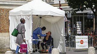Tente mobile de dépistage du Covid-19, Versailles, France, 15 juillet 2021