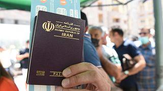 İranlılar, Covid-19 aşısı olmak için akın akın komşu ülke Ermenistan'a gidiyor