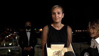 Julia Ducournau hace historia: Segunda mujer que gana la Palma de Oro de Cannes