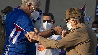 Díaz-Canel y Raúl Castro durante el acto del sábado en La Habana