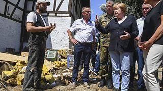 Ангела Меркель посетила пострадавший от наводнения регион