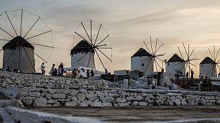 Mykonos volta a impor restrições anticovid aos turistas