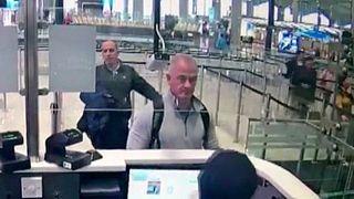 تصویر دوربین امنیتی فرودگاه استانبول از مایکل تیلور و همدست لبنانیالاصل او